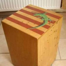 décor sur cajon percussion
